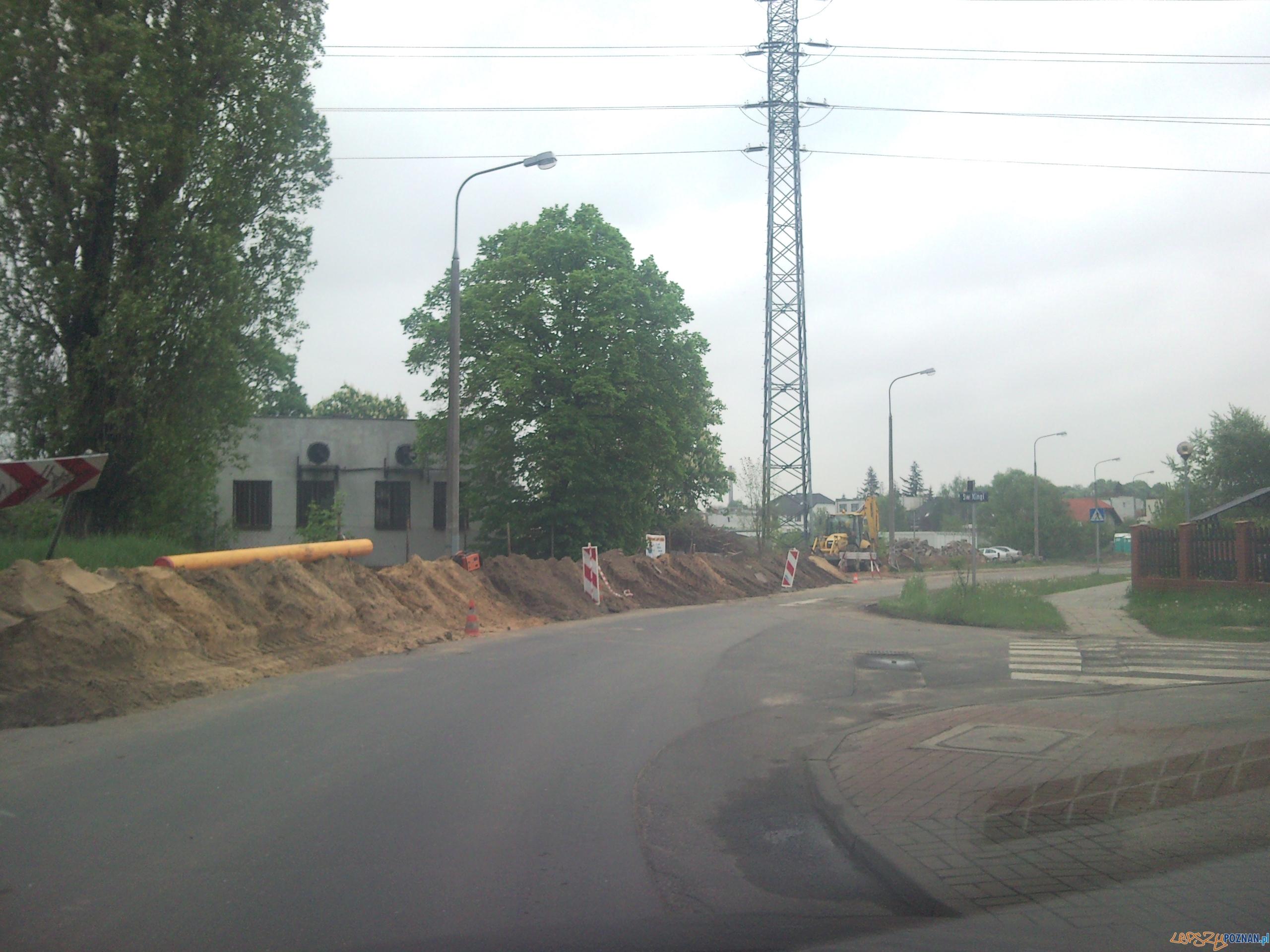 Kierowcy wyjeżdżający z prawej strony nie widzą ul Bożeny  Foto: