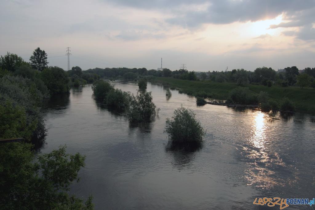 foto: lepszyPOZNAN - fala kulminacyjna - widok z mostu Lecha  Foto: