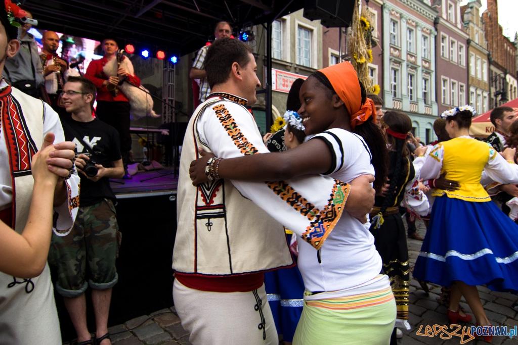 Światowy Przegląd Folkloru Integracje - Poznań, Stary Rynek 14.08.2010 r.  Foto: lepszyPOZNAN.pl / Piotr Rychter
