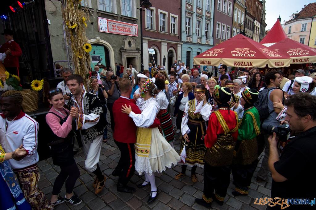 Światowy Przegląd Folkloru Integracje - Poznań, Stary Rynek 14.08.2010 r.  Foto: Piotr Rychter