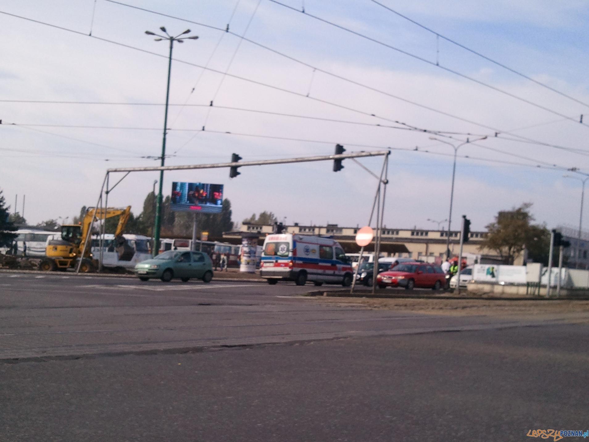 Wypadek na Towarowej  Foto: Piotr/gsm