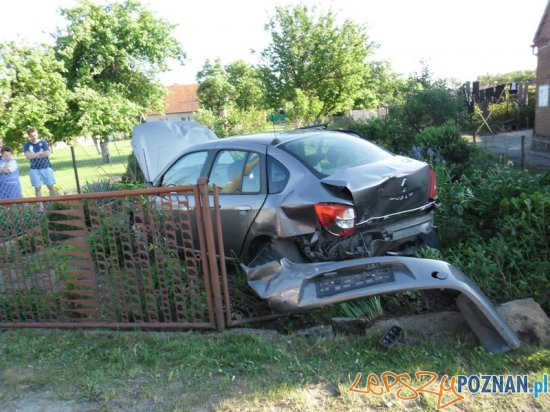 Wypadek na krajowej 11  Foto: Leszek Rynowiecki