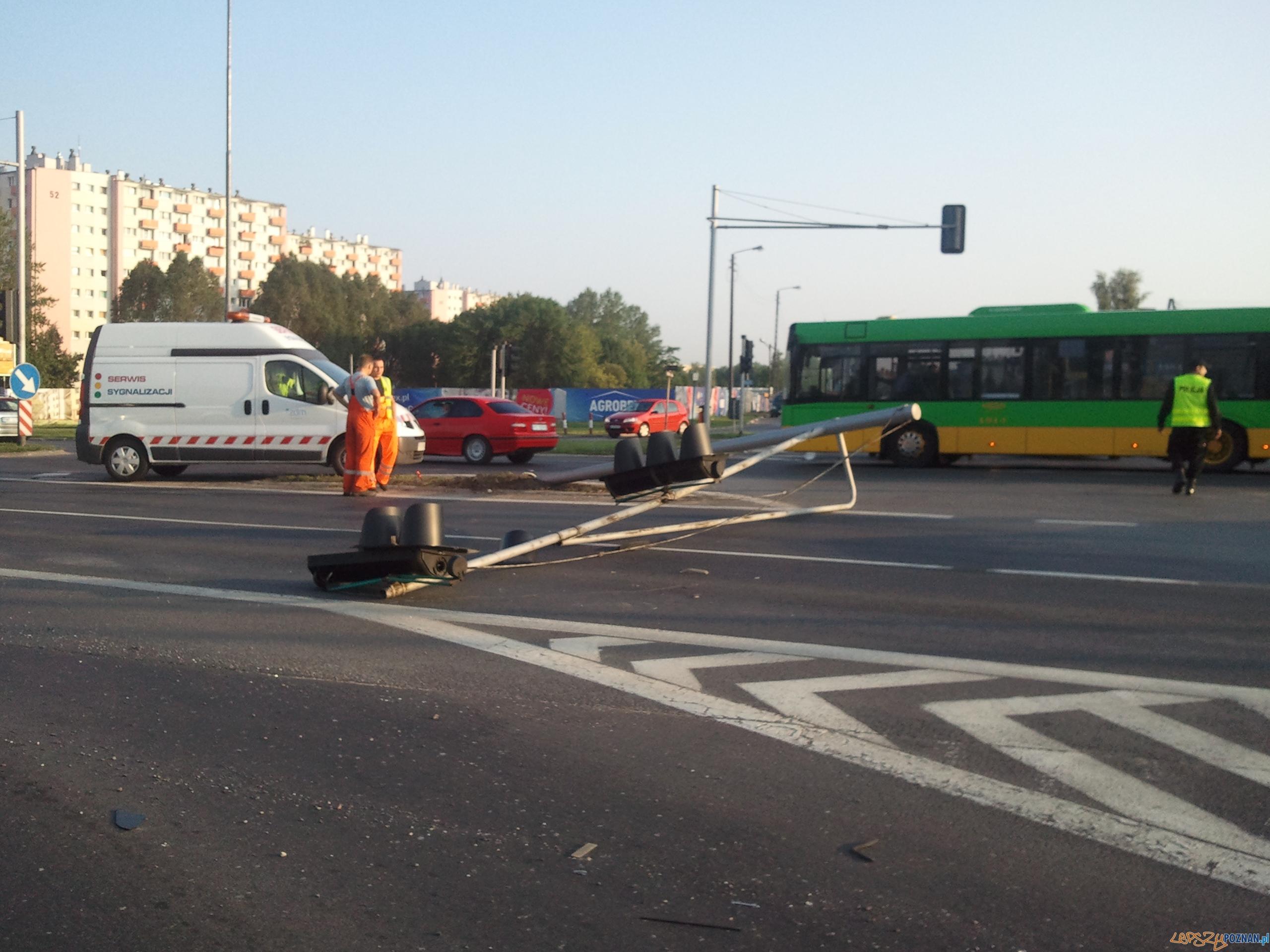 Poranne utrudnienia na Warszawskiej  Foto: lepszyPOZNAN/gsm