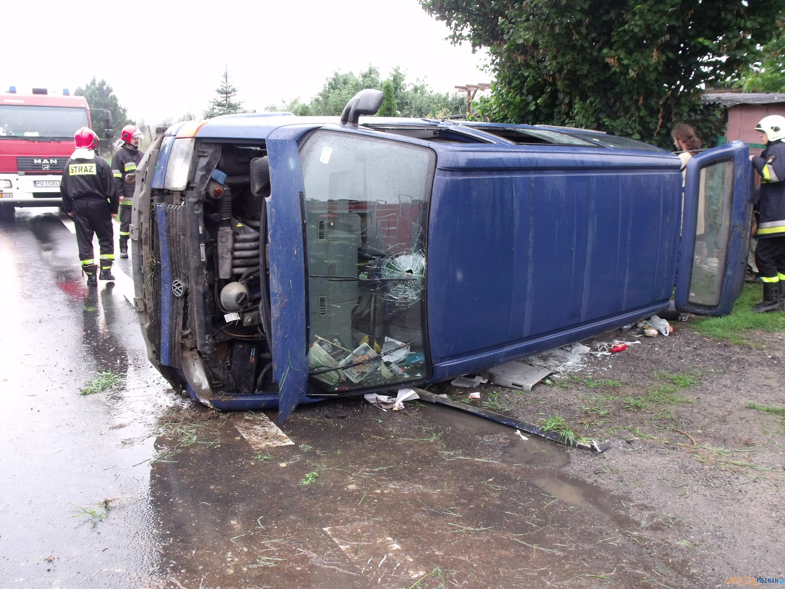 Wypadek w Pobiedziskach  Foto: KM PSP