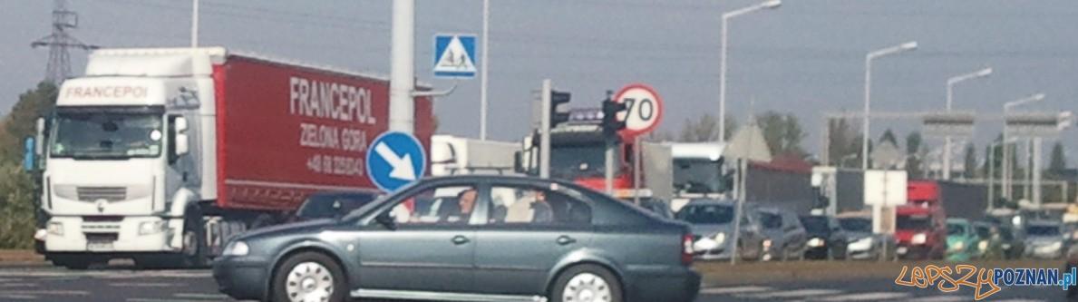 Korek w kierunku Śródki na ulicy Hlonda (tzw. Nowe Zawady)  Foto: lepszyPOZNAN.pl / gsm