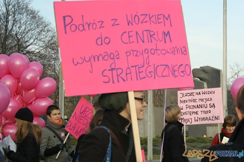 Krytyczna Masa Wózkowa - Poznań - 20.11.2011 r.  Foto: Ewelina Gutowska