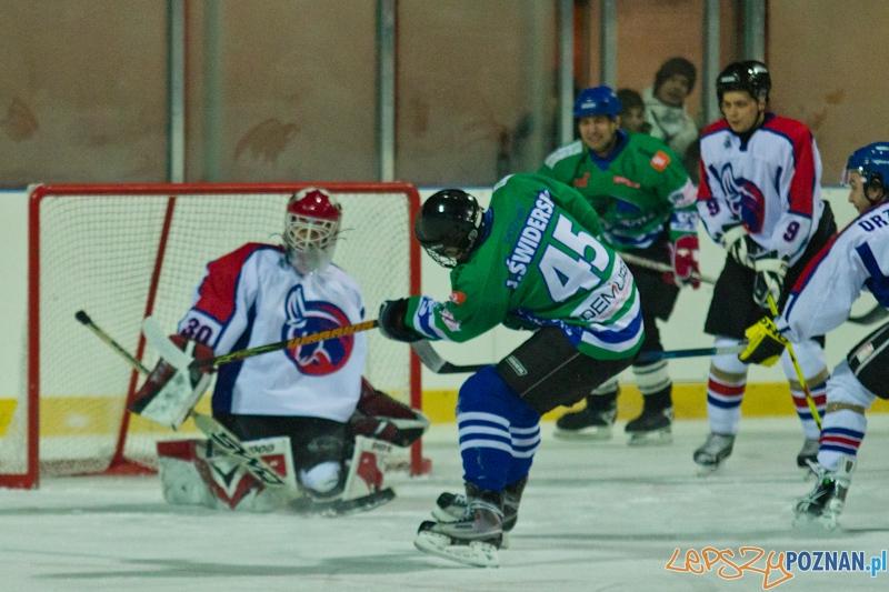 Dzikie Krokodyle Poznań vs. PTH Poznań - Lodowisko Chwiałka 21.11.2011 r.  Foto: lepszyPOZNAN.pl / Piotr Rychter