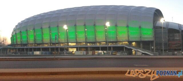 Stadion Miejski podświetlony na zielono  Foto: lepszyPOZNAN.pl / gsm