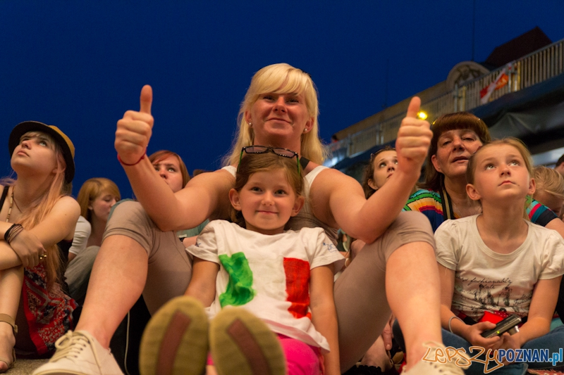 Włochy - Irlandia - doping w Oficjalnej Strefie Kibica UEFA EURO Poznań 2012. Na zdjęciu Julia, która samodzielnie przygotowała koszulkę  Foto: lepszyPOZNAN.pl / Piotr Rychter