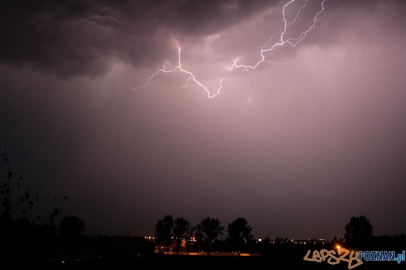 Burza z piorunami nad Komornikami  Foto: lepszyPOZNAN.pl / Ewelina Gutowska