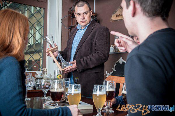 Kurs kiperski prowadzony przez Macieja Chołdrycha  Foto: piwoznawcy.pl