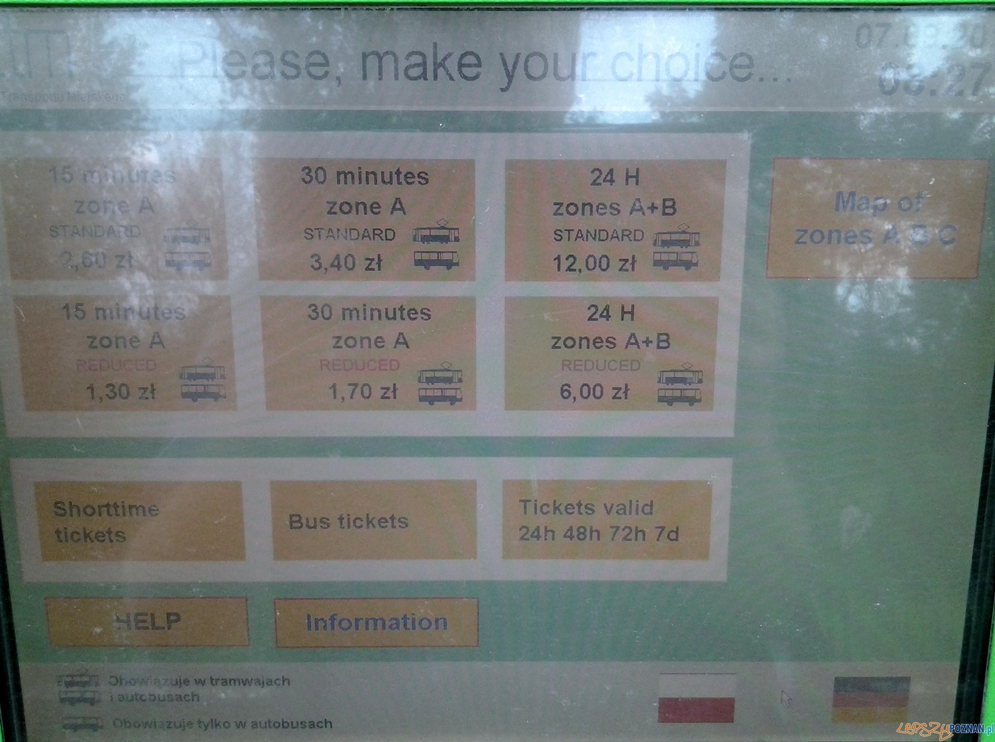 Biletomat w wersji angielskiej  Foto: lepszyPOZNAN.pl / tab