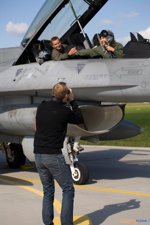 Grażyna Szapołowska i F-16 (4)  Foto: