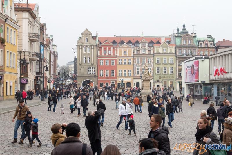 Tłumy na Starym Rynku - 11.11.2012 r.  Foto: lepszyPOZNAN.pl / Piotr Rychter
