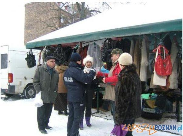 Działania prewencyjne Policji na Grunwaldzie (2)  Foto: KM Miejska Policji w Poznaniu