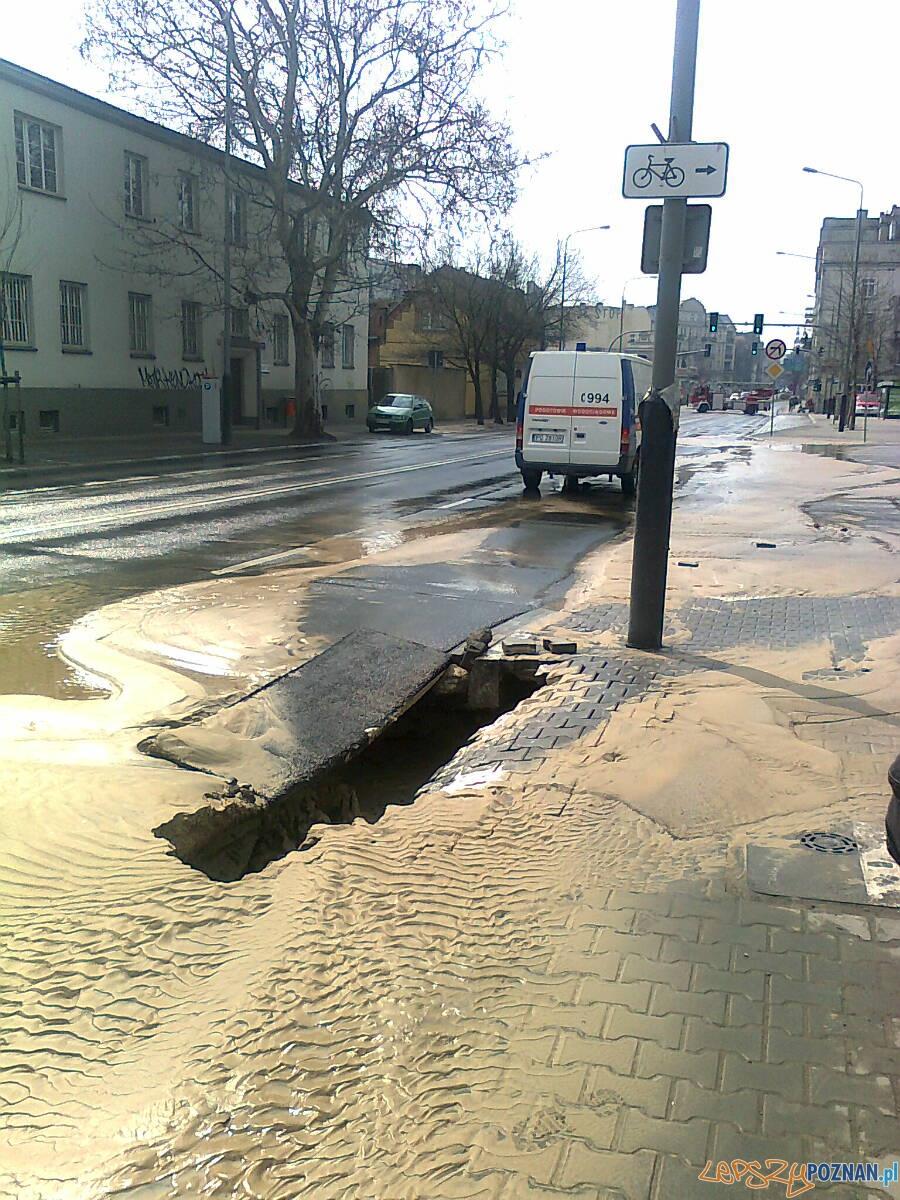 Awaria wodociągowa na Garbarach  Foto: Aquanet
