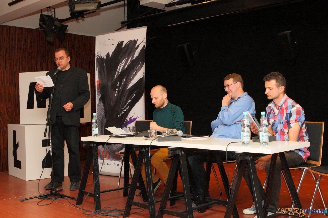 Przewodniczący komisji Marcin Baran i laureaci  Foto: Maciej Kaczyński /CK Zamek