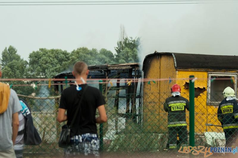 Pożar baraków w Komornikach - 31.08.2013 r.  Foto: Ewelina Gutowska