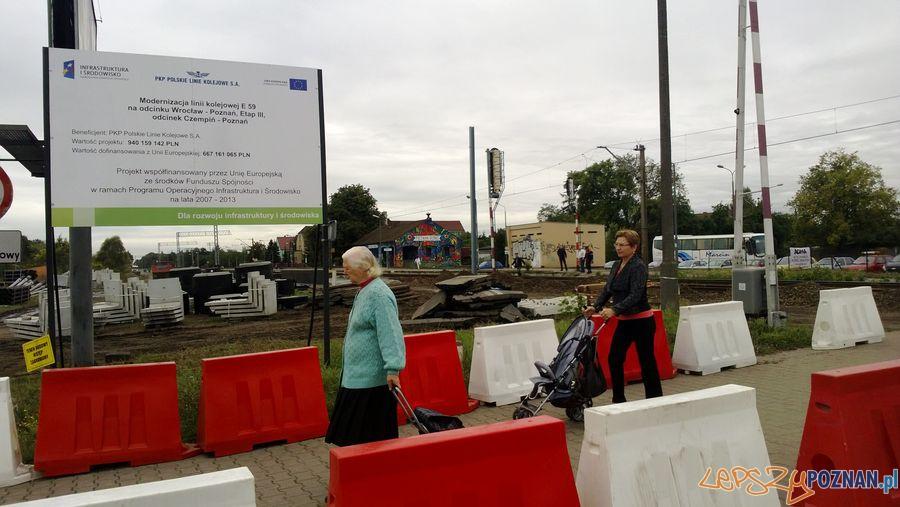 Zamknięty przejazd kolejowy na Dębcu (3)  Foto: TD