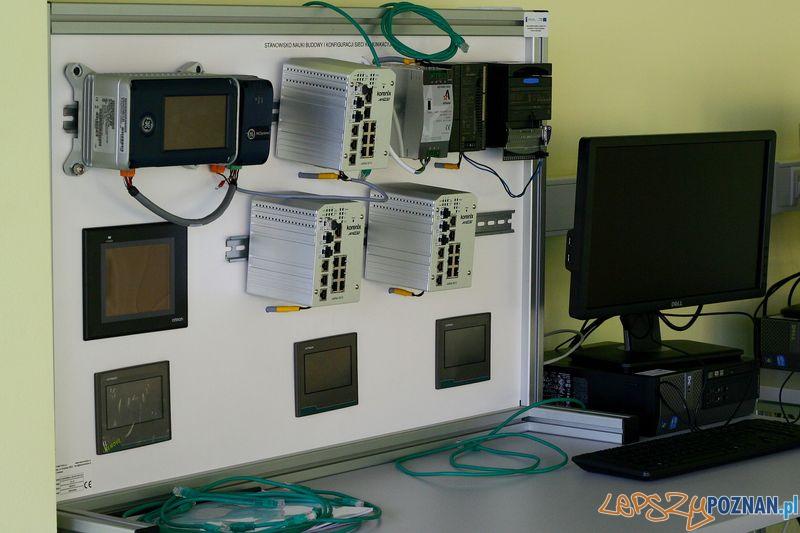 Laboratorium Technik Mechatronik. Badanie sieci.  Foto: Przemysław Kozakiewicz