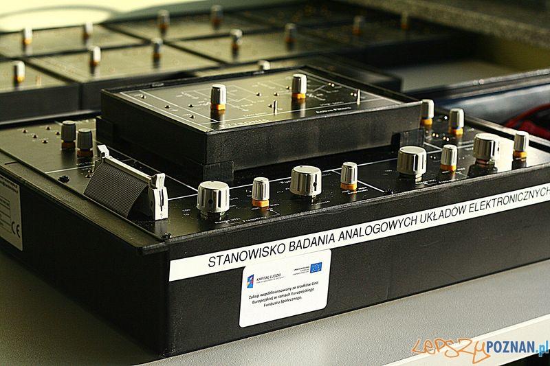 Laboratorium Technik Mechatronik. Układy analogowe.  Foto: Przemysław Kozakiewicz