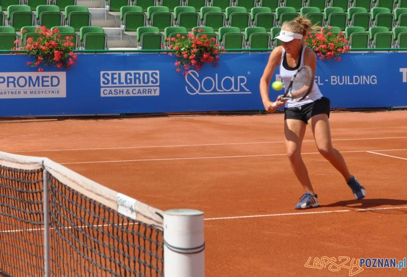 Magdalena Fręch na kortach turnieju w Sobocie  Foto: Powiat Poznański Open