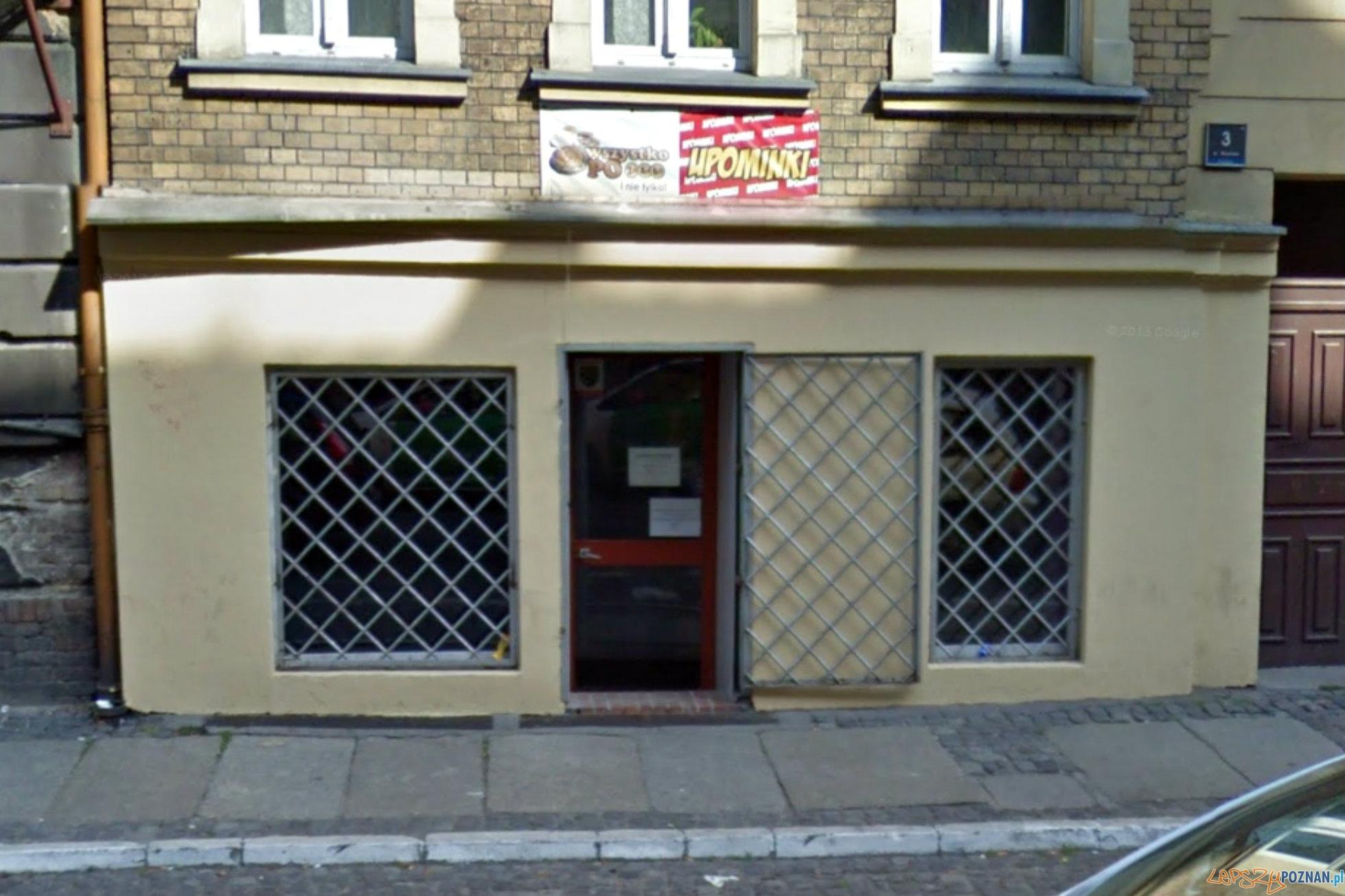 Dopalacze - sklep na ul. Mostowej  Foto: Google Street View
