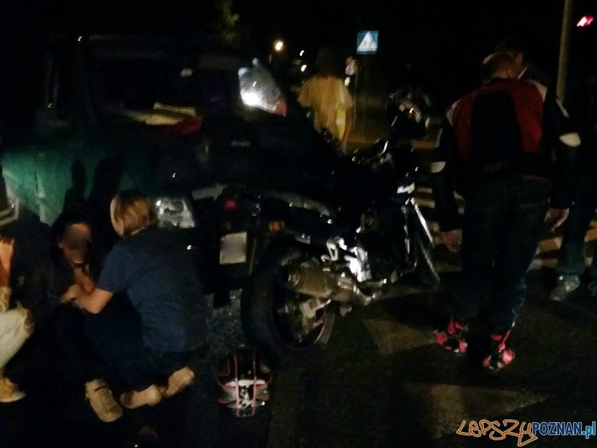 Motocykl zderzył się z busem  Foto: lepszyPOZNAN / tab