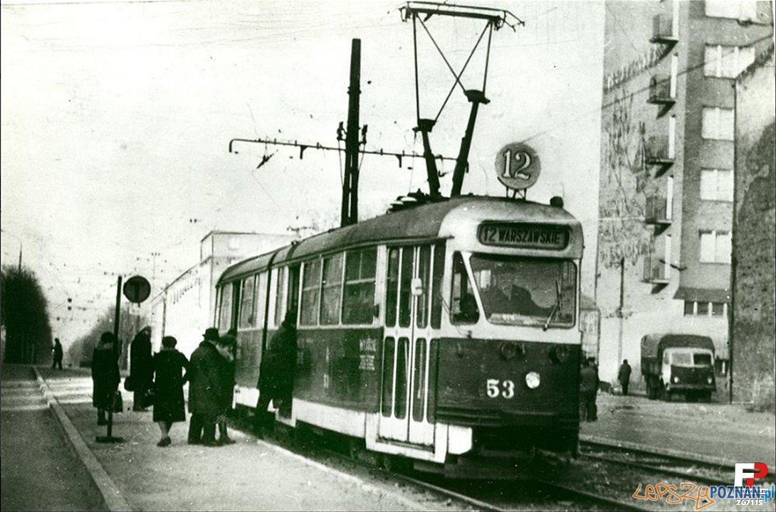 Tramwaj na przystanku Głogowska - Hetmańska 1973  Foto: fotopolska