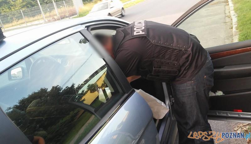Blisko 2 kg amfetaminy w samochodzie  Foto: KW Policji w Poznaniu