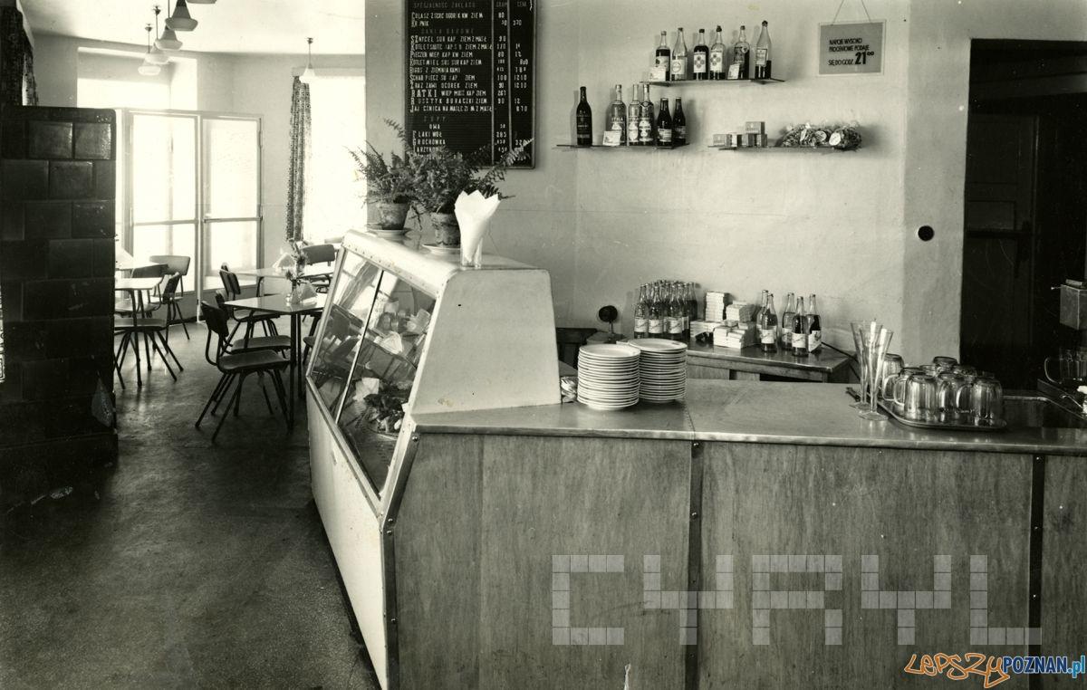 Bar Krupnik przy Kolejowej 1960-69  Foto: Cyryl