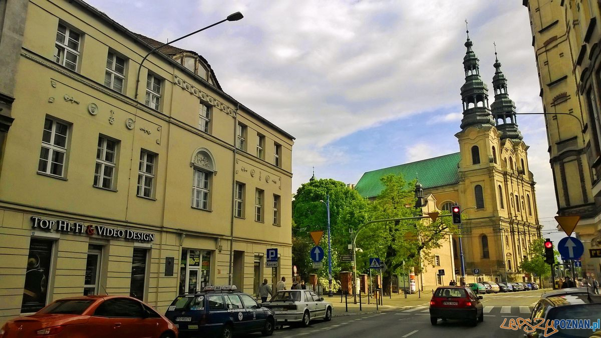Dom Kantaka na Garbarach (po lewej) i kościół Franciszkanów  Foto: Tomasz Dworek