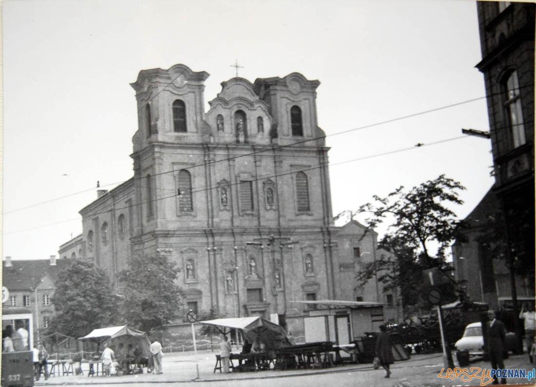 Plac Bernardyński 1974 - Kościół Franciszkanów  Foto: