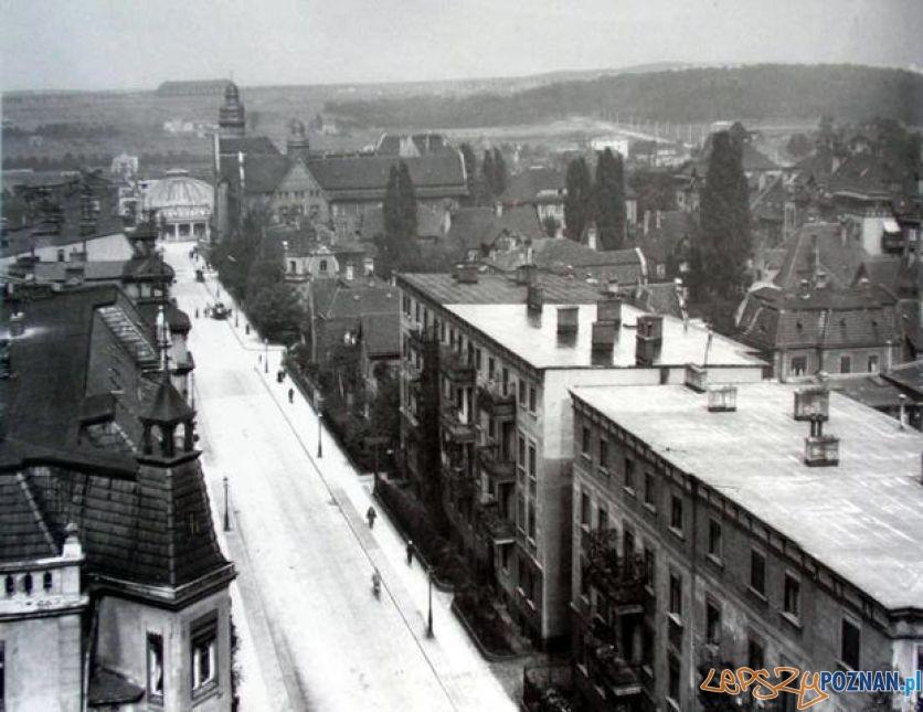 Hala zeppelinów widoczna z Jeżyc  Foto: poznan.wikia.com