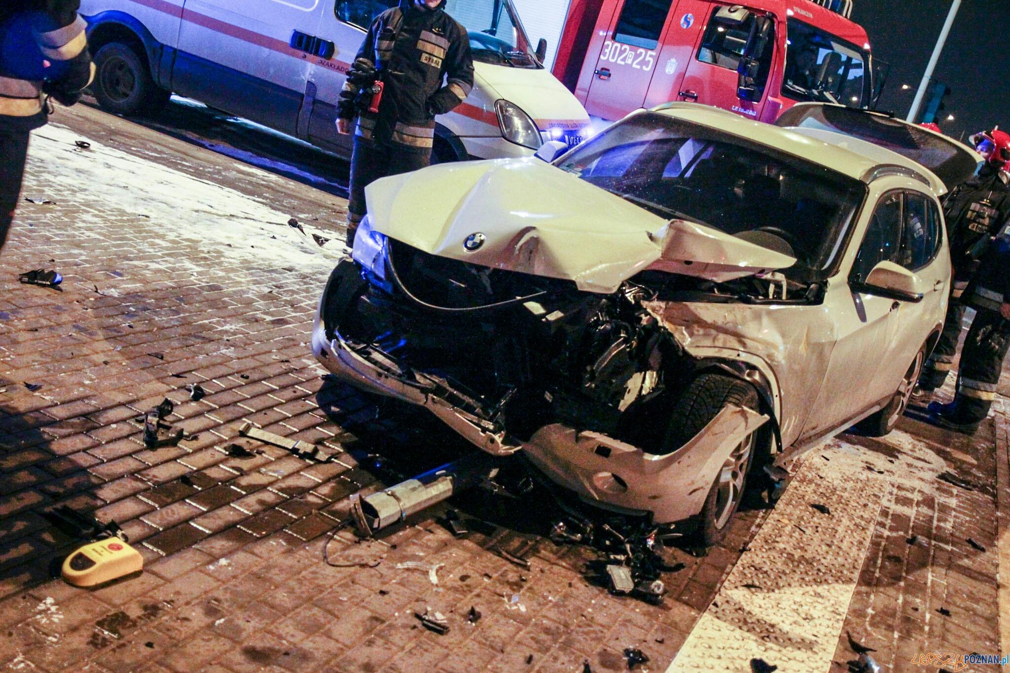 Zderzenie bimby z autem rondo Skubiszewskiego  Foto: lepszyPOZNAN.pl / Paweł Rychter
