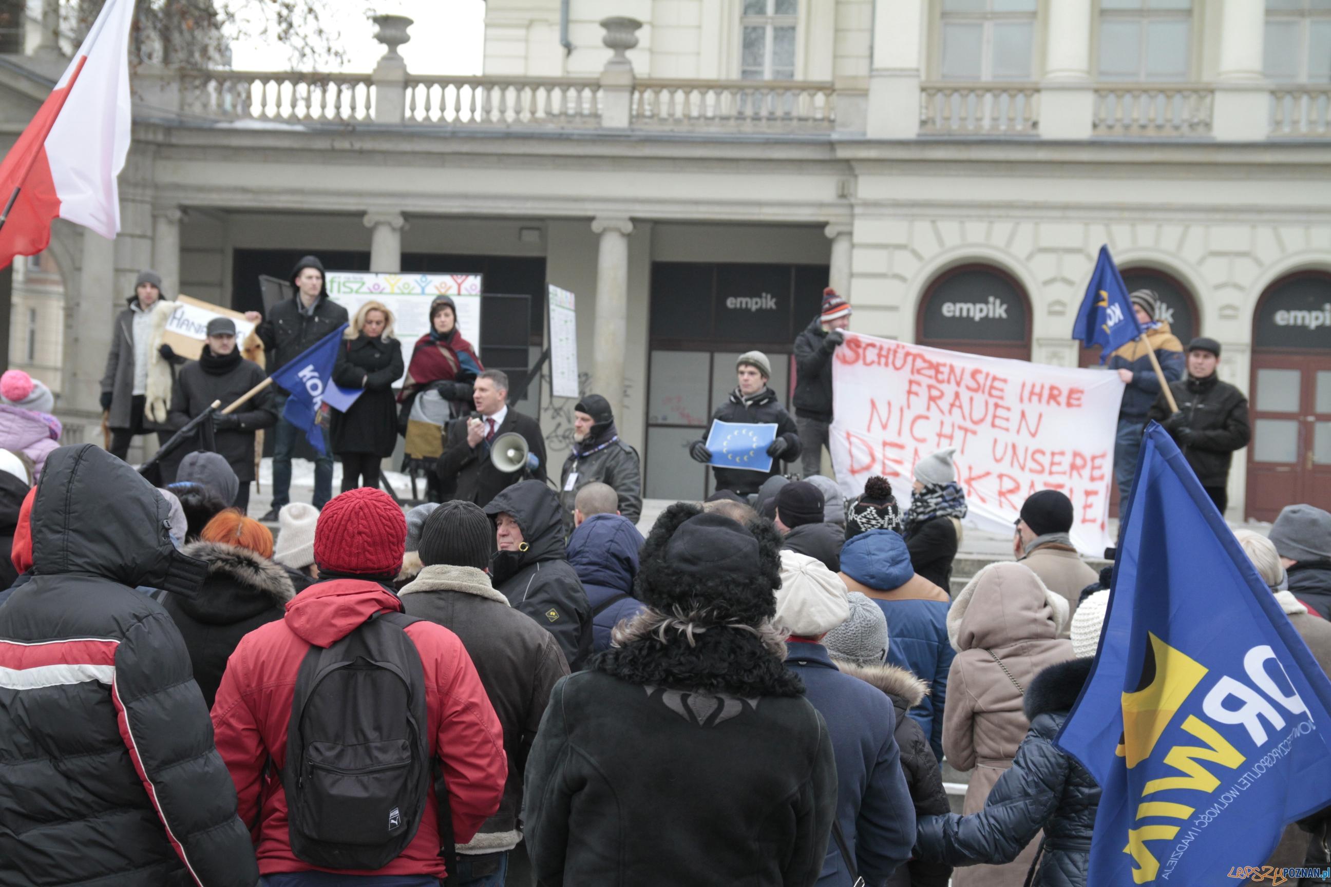 """Marsz """"Poznań dla wolności i demokracji"""" -  Poznań 23.01.2016 r.  Foto: LepszyPOZNAN.pl / Paweł Rychter"""