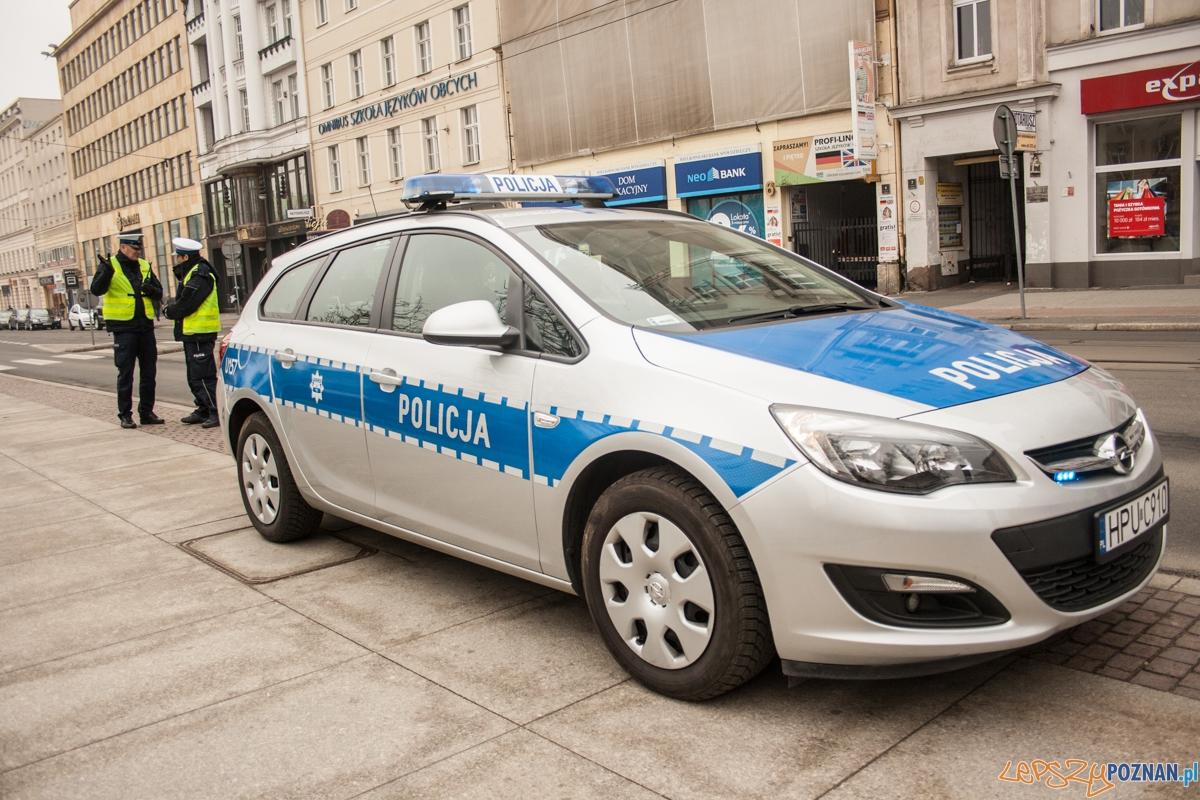 Policja / radiowóz / szkieły  Foto: © lepszyPOZNAN.pl / Karolina Kiraga