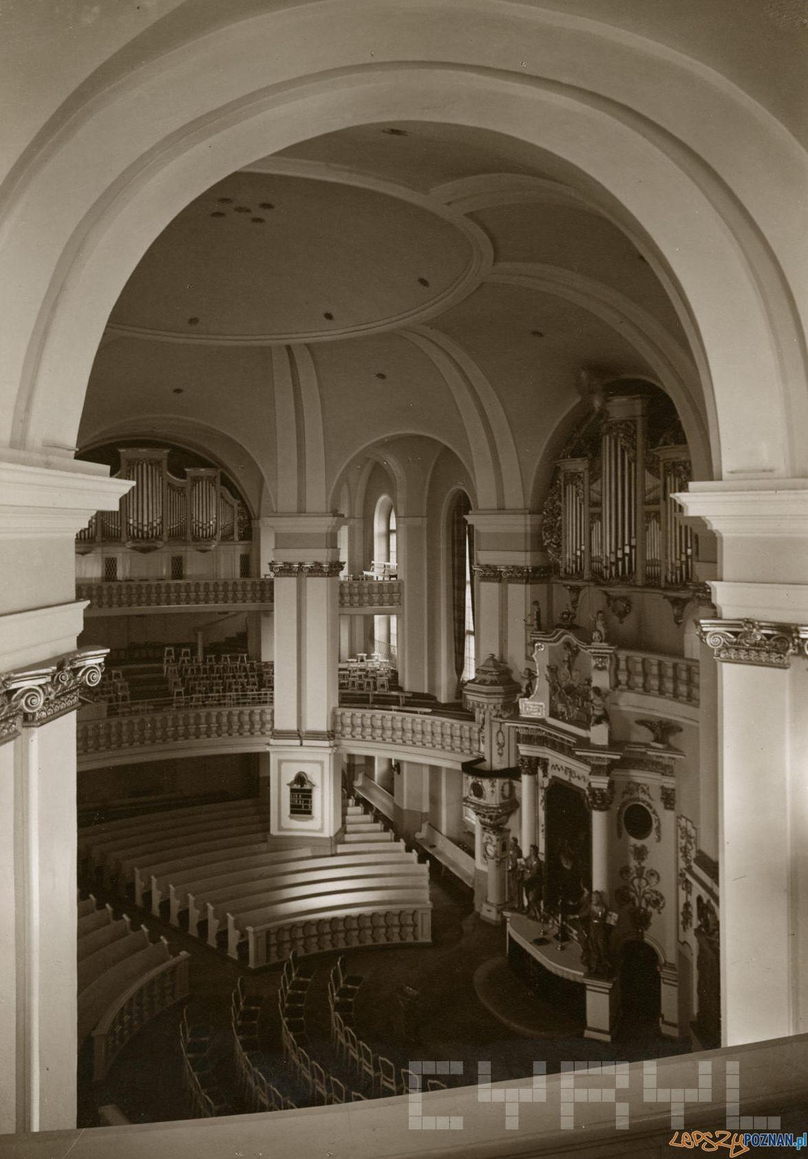 Wnętrze Kości-oła Wszystkich Świętych 1930  Foto: Roman Stefan Ulatowski - Cyryl