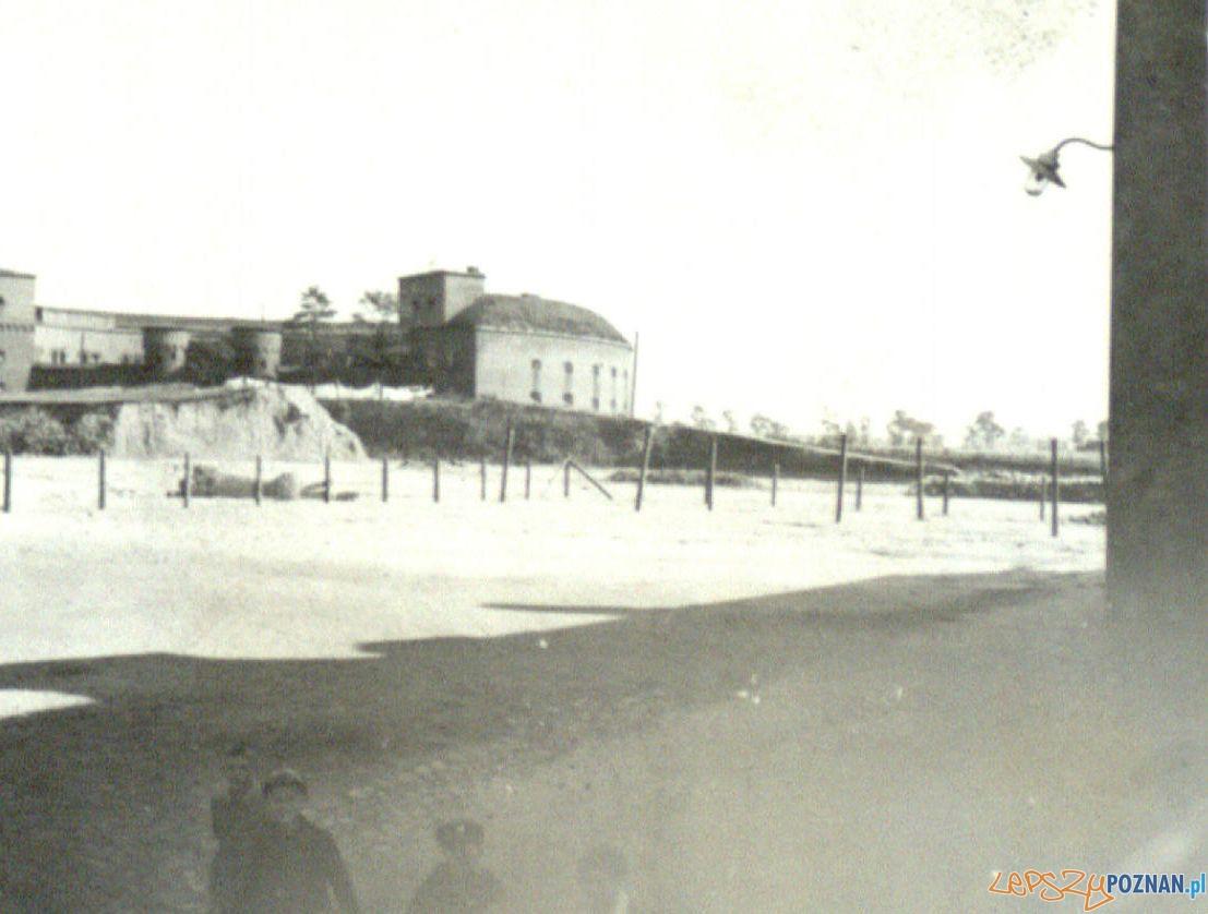 Fort Rerormatów ok. 1926 r.  Foto: Ośrodek Szkolno-Wychowawczy dla Dzieci Niesłyszących im. Józefa Sikorskiego w Poznaniu