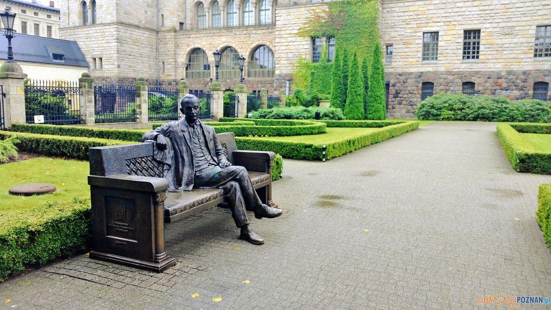 Ławeczka profesora Kostrzewskiego  Foto: Tomasz Dworek