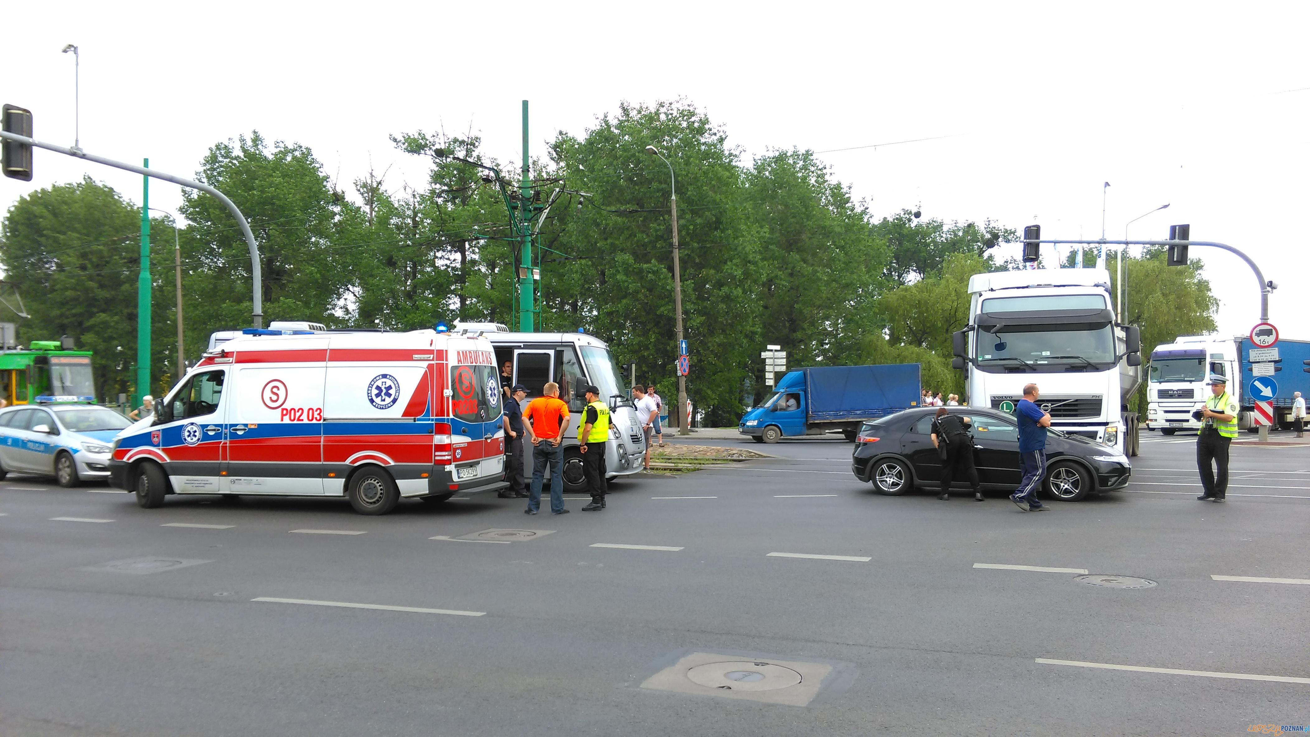 WypWypadek na Jana Pawła II  Foto: lepszyPOZNAN / TD
