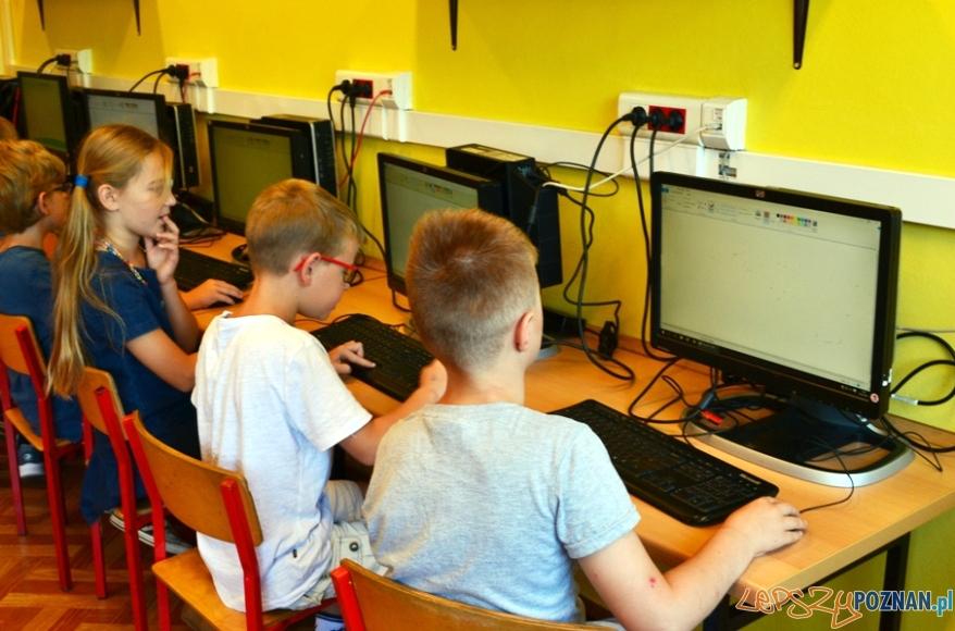 Komputery dla szkół od Bridgestone - SP Przeźmierowo  Foto: mat. prasowe
