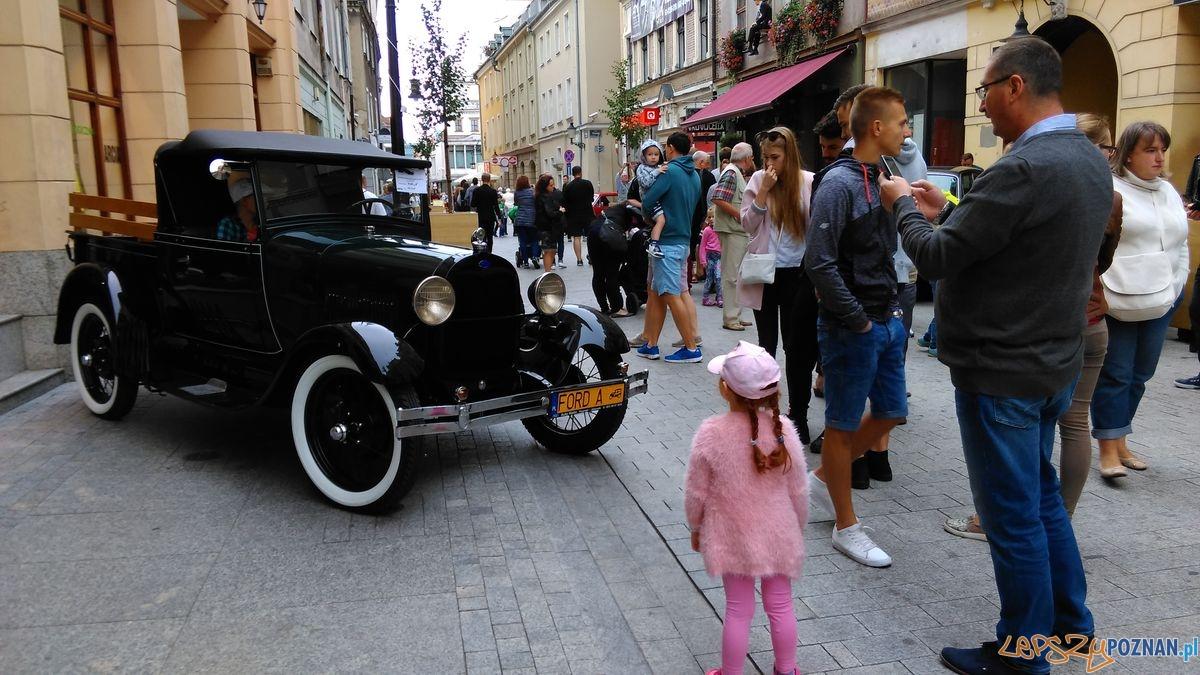 Dni Starego Miasta – zabytkowe auta na Wrocławskiej  Foto: lepszyPOZNAN.pl / TD