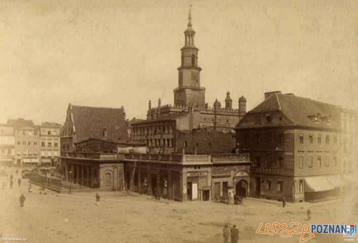 Stary Rynek w Poznaniu z Wagą, Odwachem i kamienicą Pfitznera 1886-1888  Foto: fotopolska