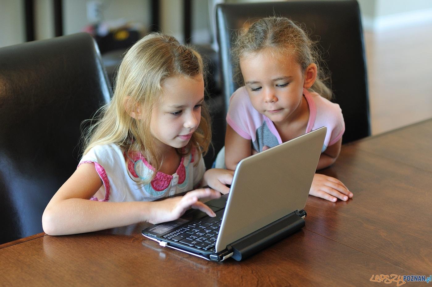 Niebezpieczny internet  Foto: Numrik - Fotolia / Akademia Bezpieczego Puchatka