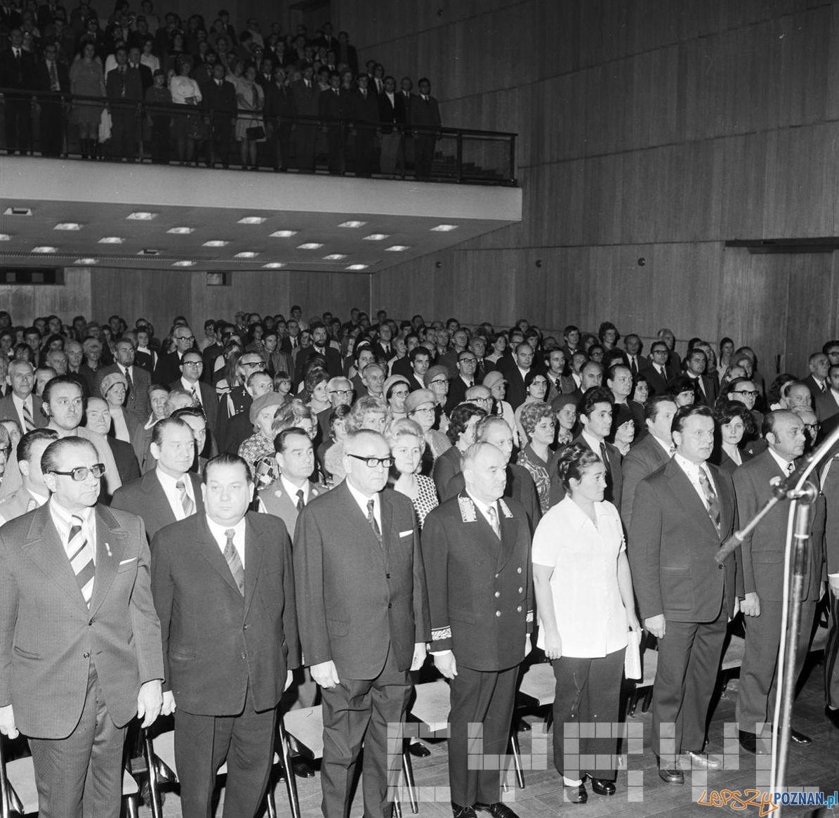 Obchody 57 rocznicy Wielkiej Rewolucji Paźziernikowej w Pałacu Kultury  Foto: Stanisław Wiktor / Cyryl