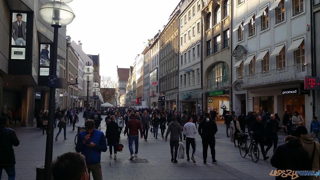 Monachium - deptak  Foto: lepszyPOZNAN.pl / tab