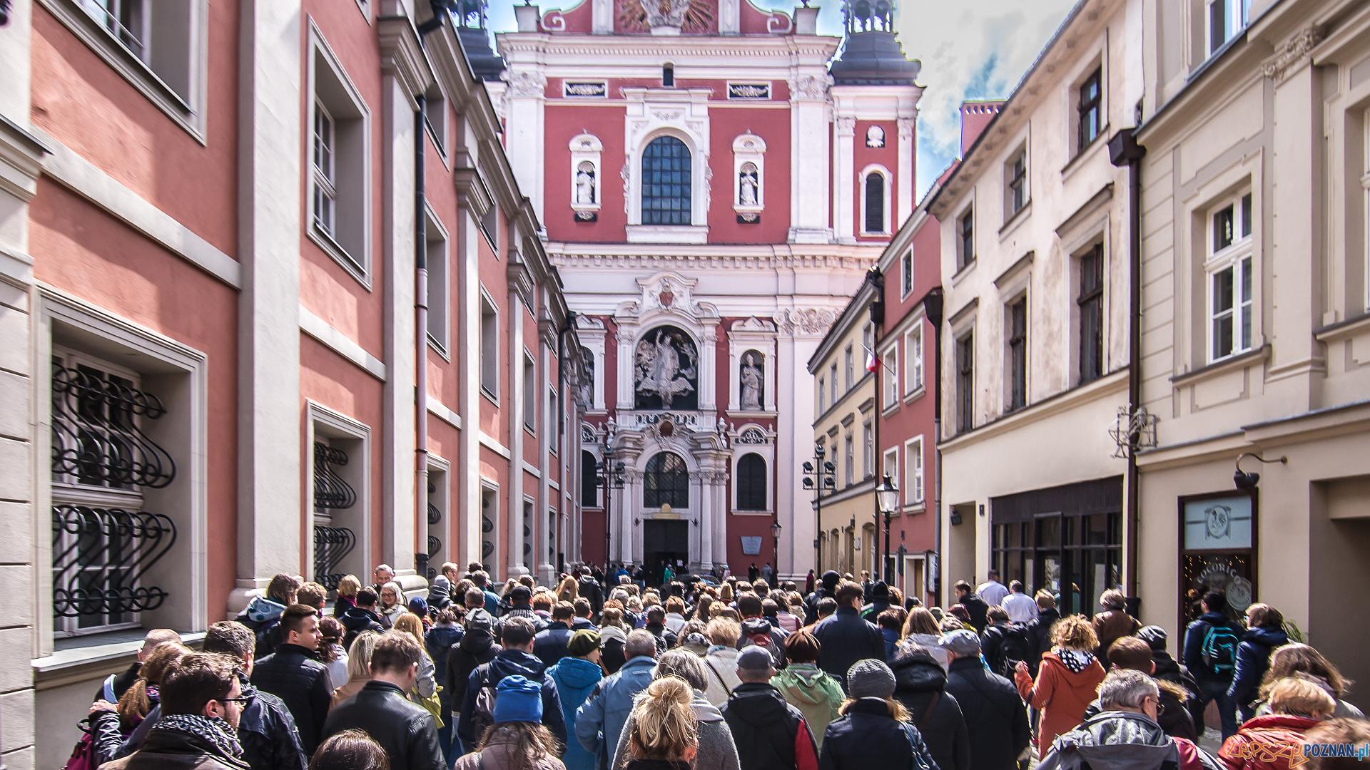 Udany jubileusz akcji Poznań za pół ceny - wycieczka przed Farą  Foto: PLOT / Jakub Pindych