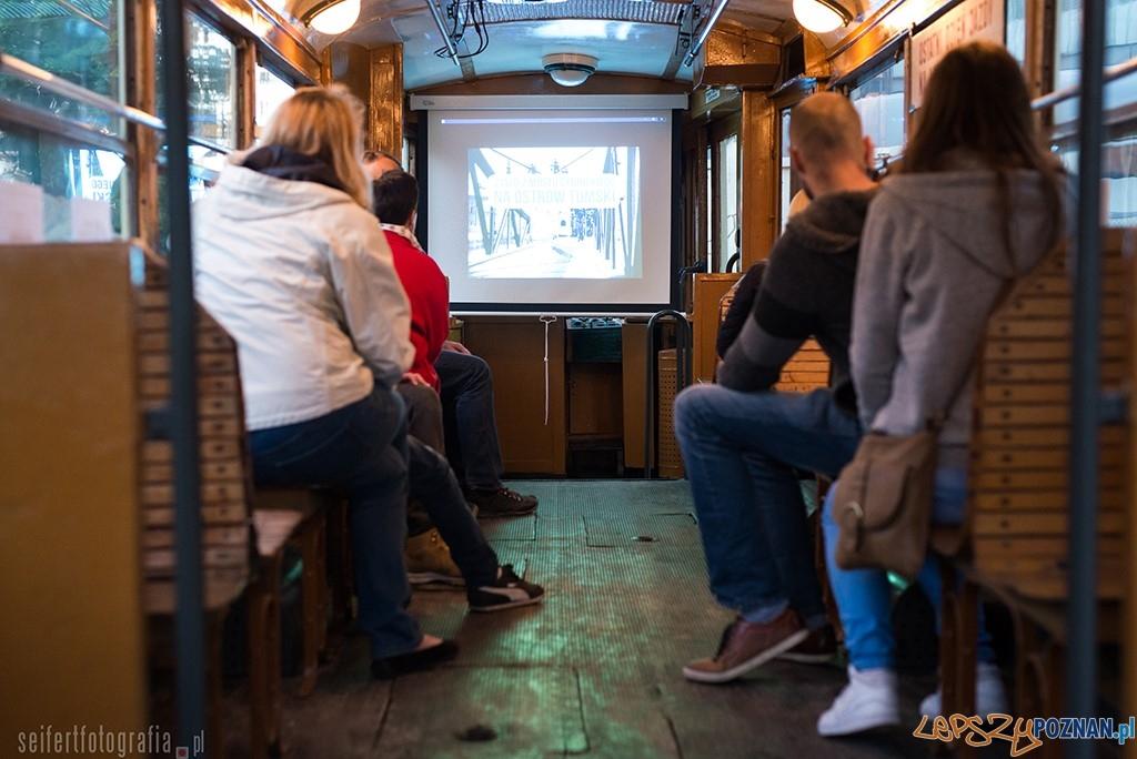 Projekt Wilda - pokaz zdjęc w starym tramwaju  Foto: Bartosz Seifert