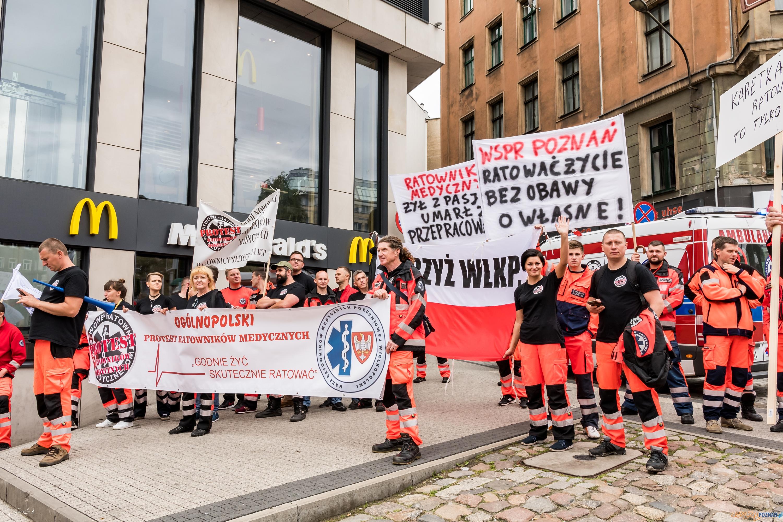 Protest Ratowników Medycznych w Poznaniu  Foto: ADAM SZACH